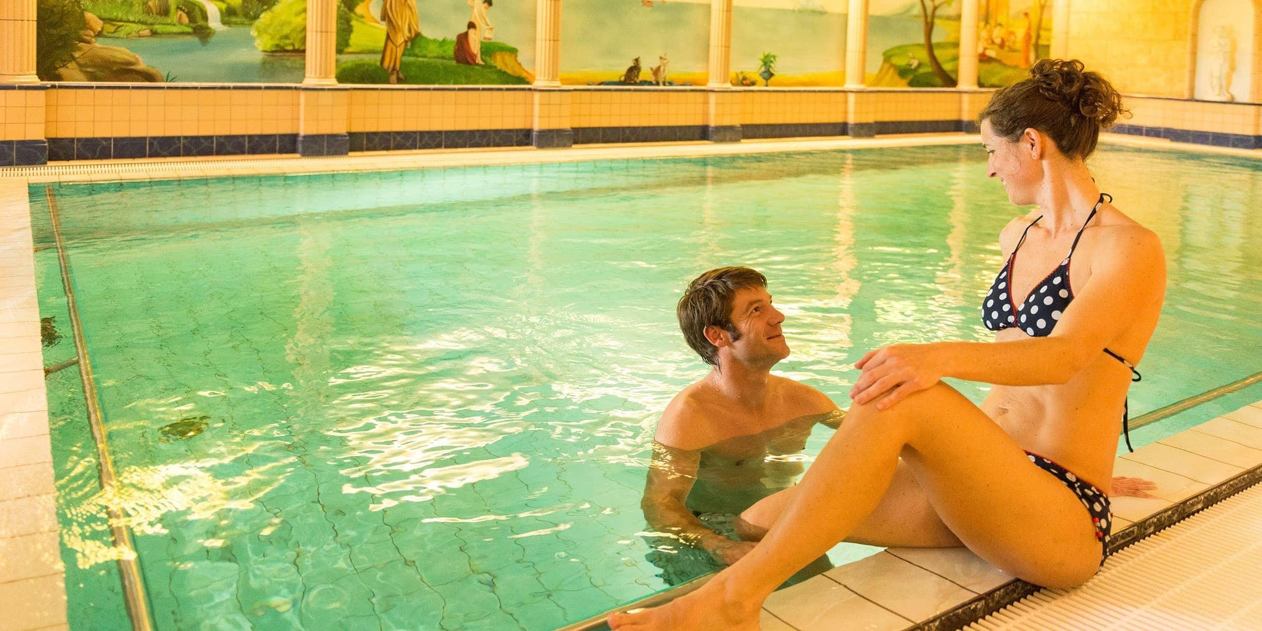 Hotel Schwimmbad 30° im Wellness Bereich Panorama